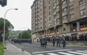 FOTO 3 - Desfile en Intxaurrondo